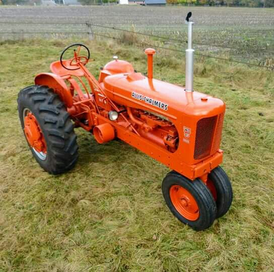 Allis-Chalmers WD-45 diesel narrow front..