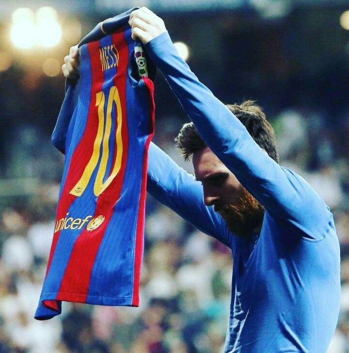 Thankyou messi for giving your all to barça. I can die happily knowing that im one of the people supporting you. Vamos barcaa vamos leo always and forever  (Messi after scoring 500 career goals, showing his name to the bernabeu)