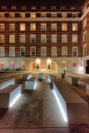 Apex Temple Court Hotel - Fantastic hotel on Fleet Street in London. Very modern.