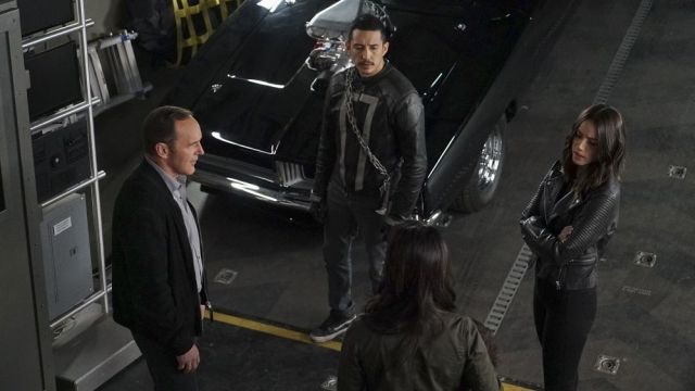 SHIELD Season 4 Finale Trailer and Photos! http://www.comingsoon.net/tv/trailers/846445-agents-of-shield-season-4-finale-trailer-and-photos?utm_campaign=crowdfire&utm_content=crowdfire&utm_medium=social&utm_source=pinterest