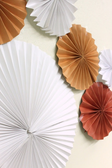 1000 images about thanksgiving decor on pinterest for Fall decorating ideas with construction paper
