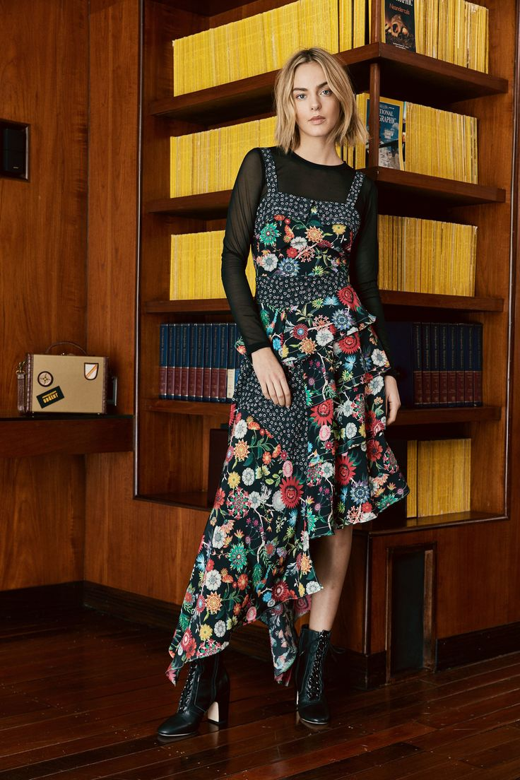 Nicole Miller Pre-Fall 2018 Fashion Show Collection