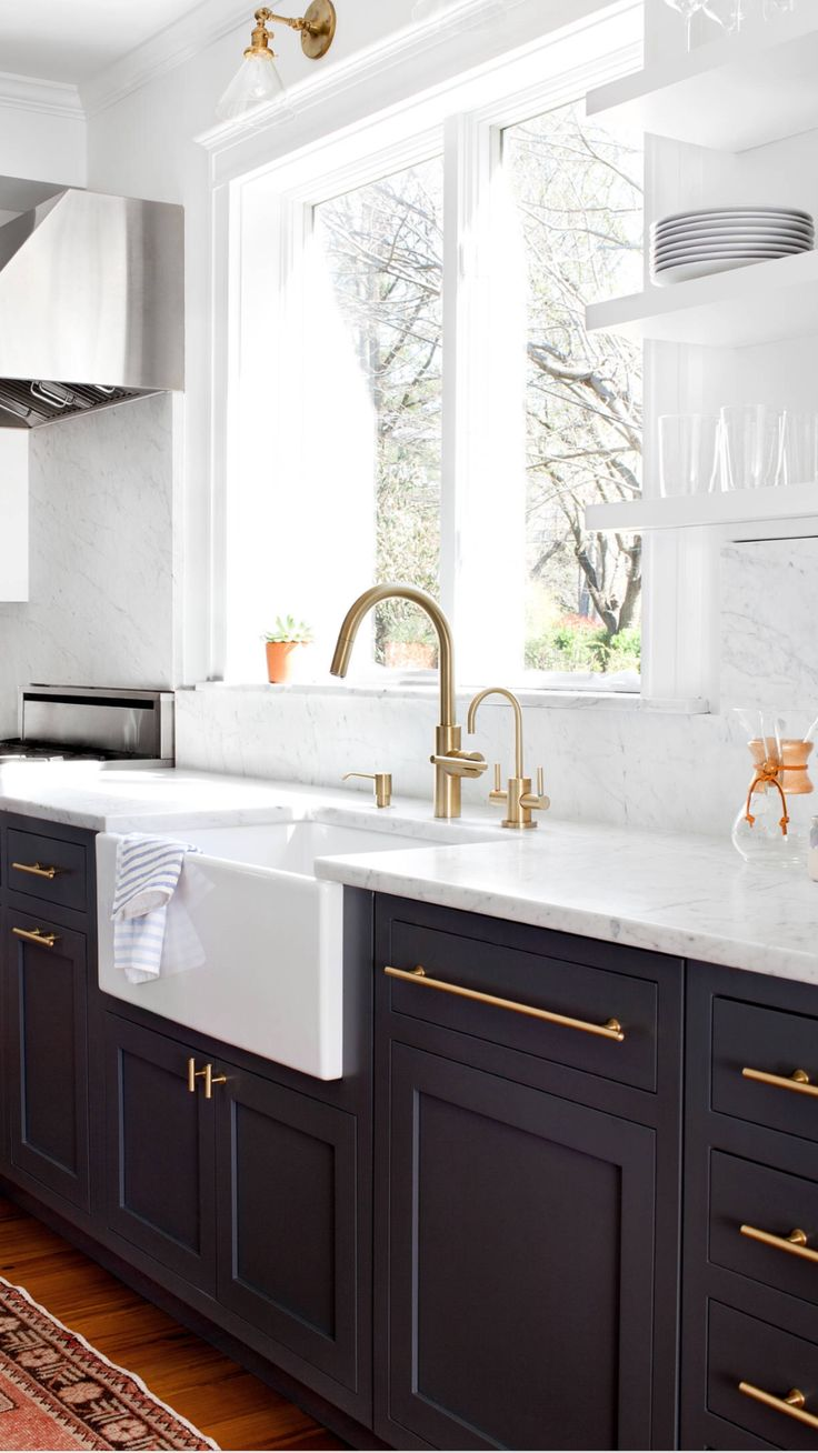 Best 25 upper cabinets ideas on pinterest built in for Kitchen cabinets upper