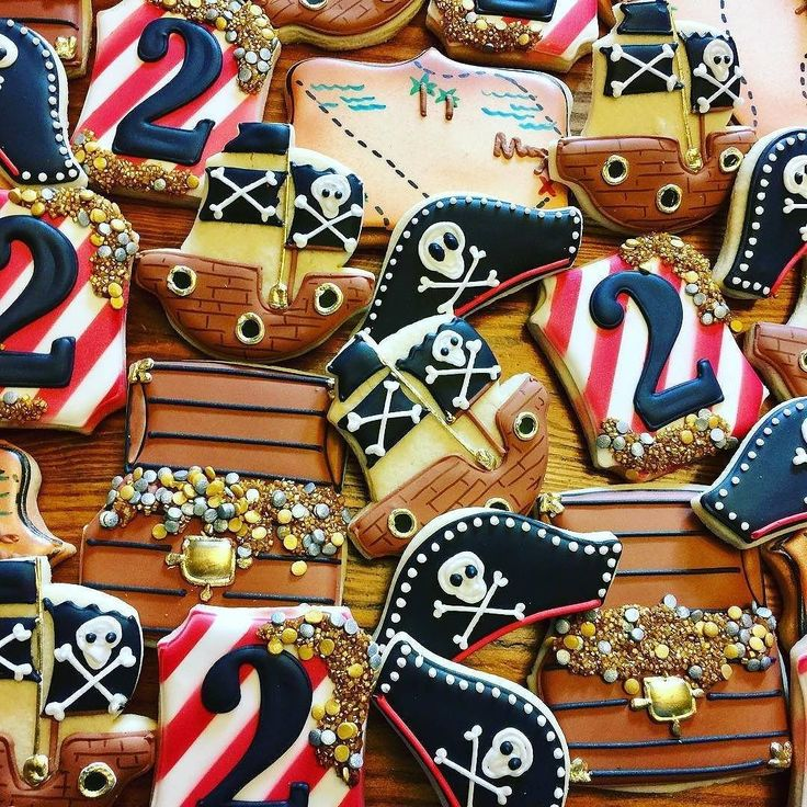 "486 Likes, 15 Comments - Bobbi Barton (@bobbiscookies) on Instagram: ""@somethingsweetcookies made there aaarrrrrrmazing cookies using our pirate cookie cutters. Love the…"""