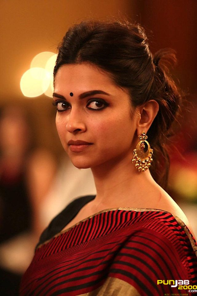 Deepika's Seven Looks in PIKU Welcome to a day in Piku's ...