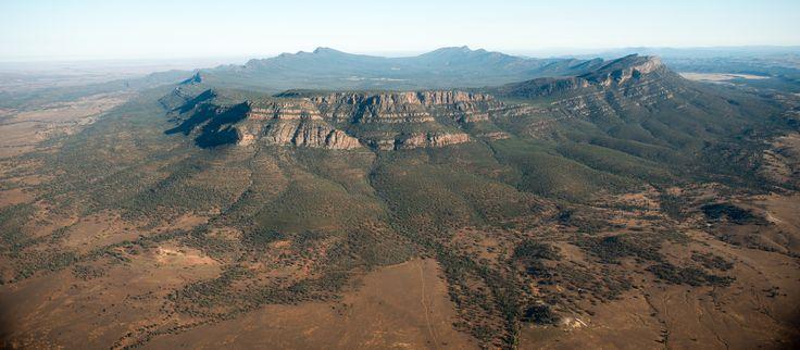 Wilpena Pound, dans le parc national des Flinders Ranges. #Australie