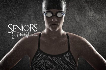 Swimming senior picture idea for girls in the studio. #swimmingseniorpicturesideas #swimmingseniorpictures #seniorsbyphotojeania