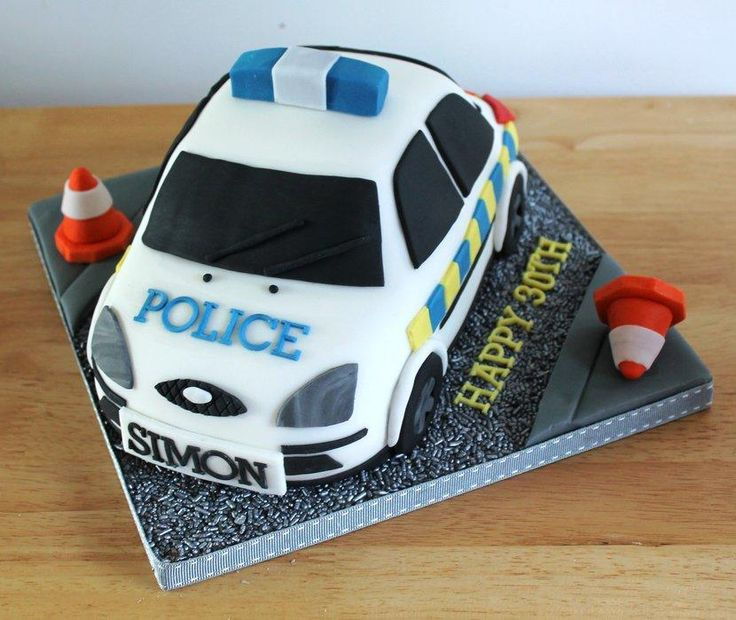 Cute Police car by Zoe's Fancy Cakes, who also has a You Tube channel, check out her fb page! they are fab :)