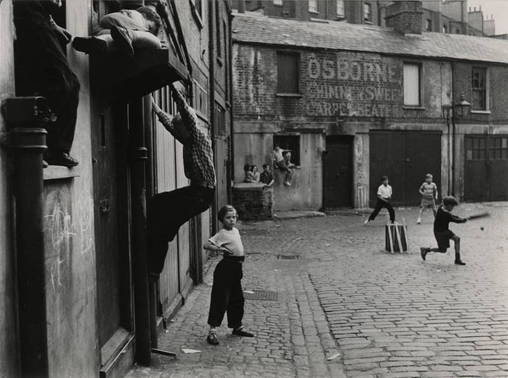 Addison Place, North Kensington, London, W11, 1956, Roger Mayne.