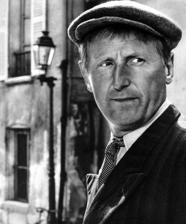 André Raimbourg, dit Bourvil, est un acteur, chanteur et humoriste français, né le 27 juillet 1917 à Prétot-Vicquemare (Seine-Maritime) et mort le 23 septembre 1970 (à 53 ans) à Paris (XVIe).