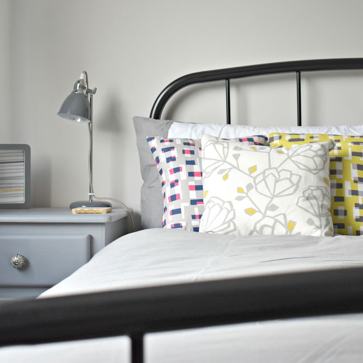 #scandi style cushions, minimal bedroom