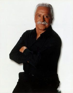 A true legend of the bodybuilding & fitness world has gone home to be with the master of the universe. Joe Weider, RIP, your contributions to our wellbeing are immeasurable.  He influenced me so many years ago. I have issues of Muscle & Fitness dating back over 25 years. Time to train some angels!