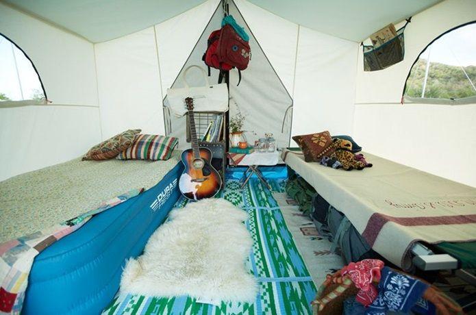 テント泊のおしゃれ上級者から学ぶ、真似したいテント内コーディネート10選!人目につかないところだけど、おしゃれに演出すればきっと気分が盛り上がるテント内のインテリア。自分好みでコーディネートして、楽しく快適なテント泊を実現させましょう!