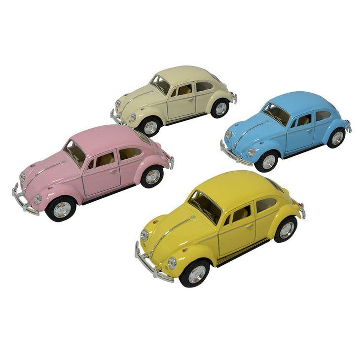 """Klassisk VW Bobbel i metal med """"træk-tilbage-og-slip"""" effekt, der gør at den kan køre selv. Fås i ass. pastelfarver. Køb legetøj online og få gratis gaveindpakning."""