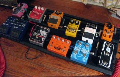 diy pedal board ikea hack made diy pedalboard pedalboard guitar pedals. Black Bedroom Furniture Sets. Home Design Ideas