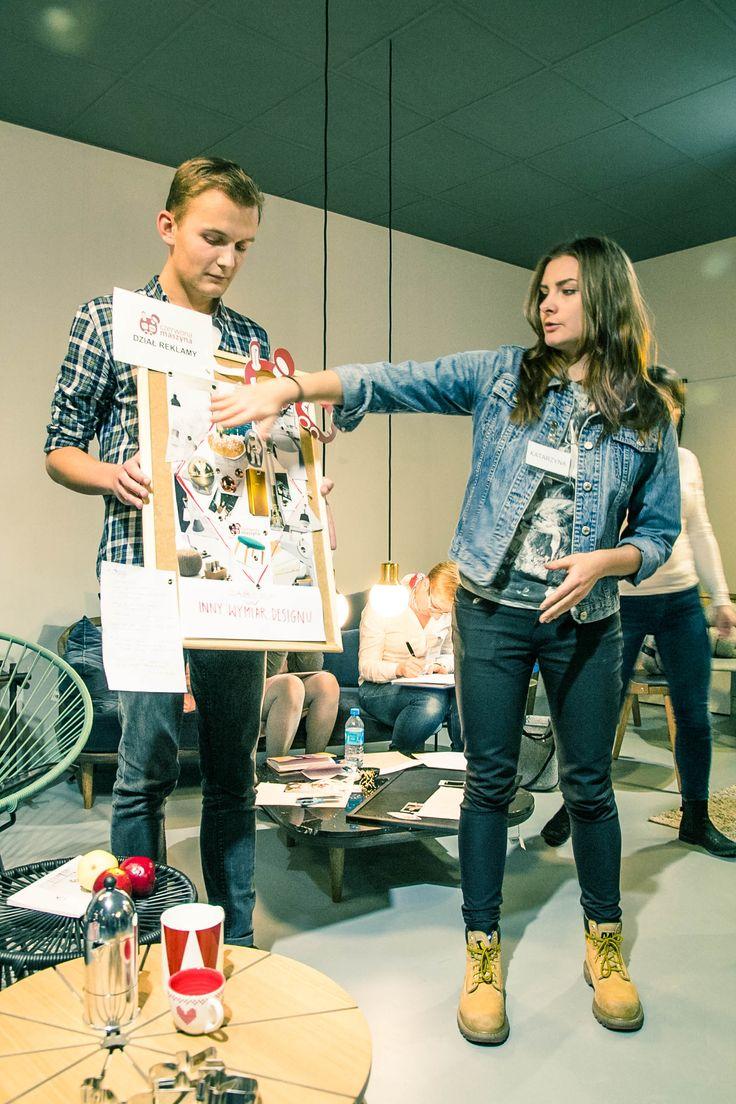 """Warsztaty """"Zostań redaktorem magazynu Czerwona Maszyna"""" w ramach festiwalu Zaprojektowani. Krakowskie Spotkania z Dizajnem (19.11.2016) / Zwycięski projekt"""