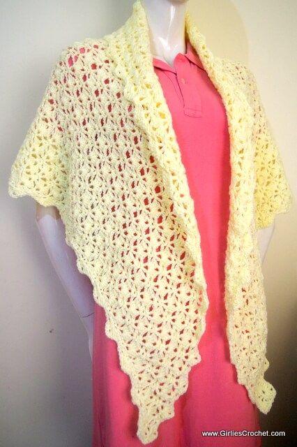 Free crochet pattern - Carol Prayer Shawl with rounded bottom