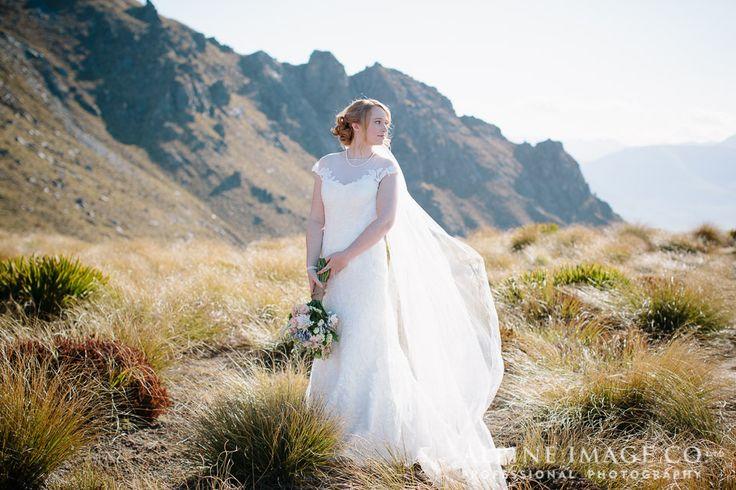 Queenstown Wedding, Mountain Wedding, Destination Wedding - Photography by @alpineimageco, Hair by @saraWeddingHair, Planner www.boutiqueweddingsnz.com