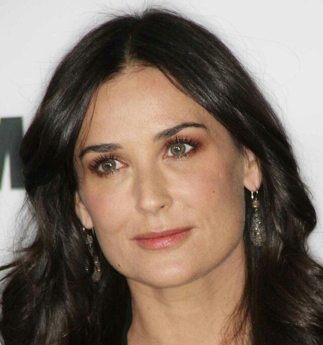 Demi Moore New Wallpapers
