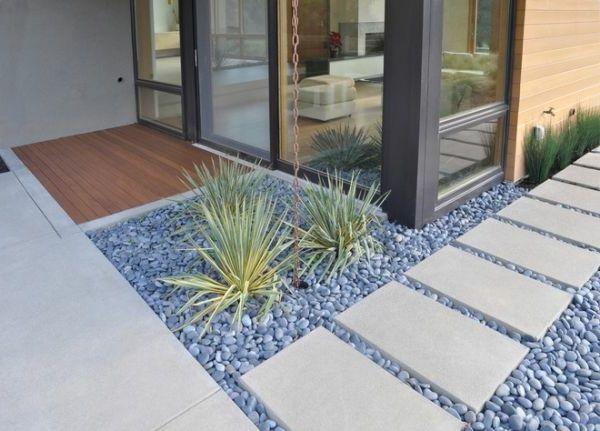 die 25 besten ideen zu hauseingang gestalten auf pinterest vorg rten dekorieren vorgarten. Black Bedroom Furniture Sets. Home Design Ideas