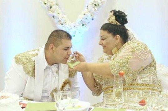 Интернет взорвала цыганская свадьба с дождём из евро и золота (ВИДЕО)
