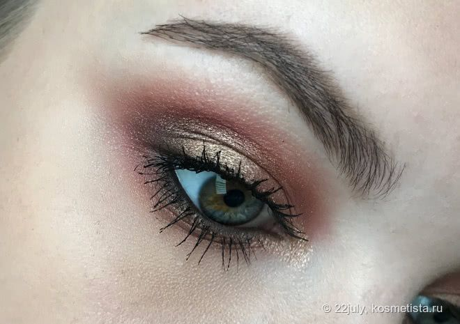 Фотоурок : макияж глаз в винно-золотой гамме