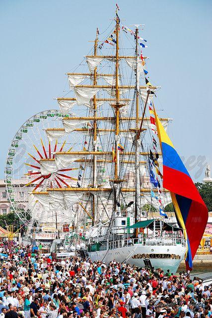 Con gran admiración El Gloria es recibido en los principales puertos del mundo.