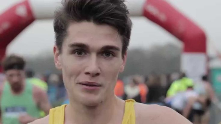 Callum Hawkins speaks after victory in the senior men's race at ...