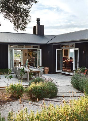 Anna Desbonnets whare Waiheke Island interior designer NZ