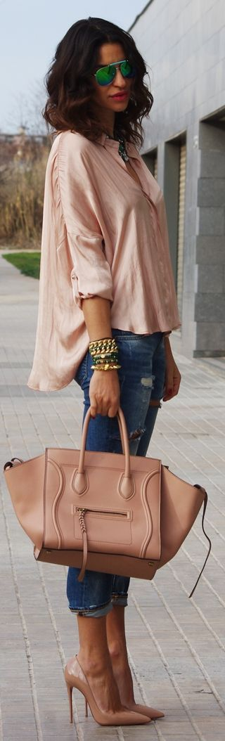 nude heels, nude bag, nude shirt, ripped jeans