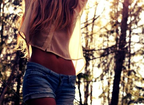 Effortless.Hats, Summer Fashion, Style, Cute Summer Outfit, Cute Hair, Denim Shorts, Jeans Shorts, Sun, Summer Clothing