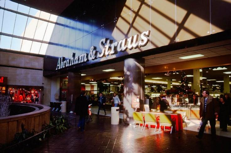 64 best images about vintage malls stores bergen for Alexander s mural paramus