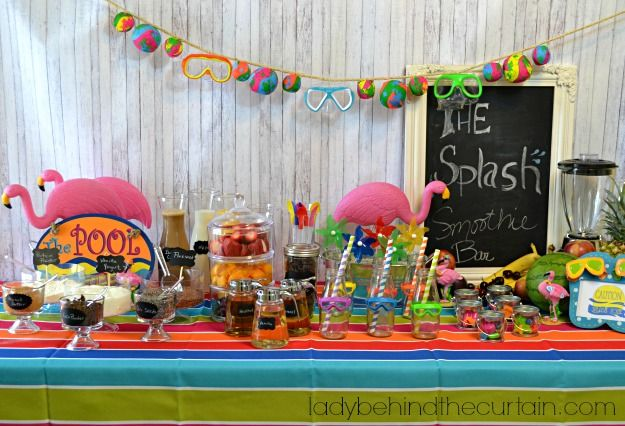 Splash Smoothie Bar - Lady Behind the Curtain