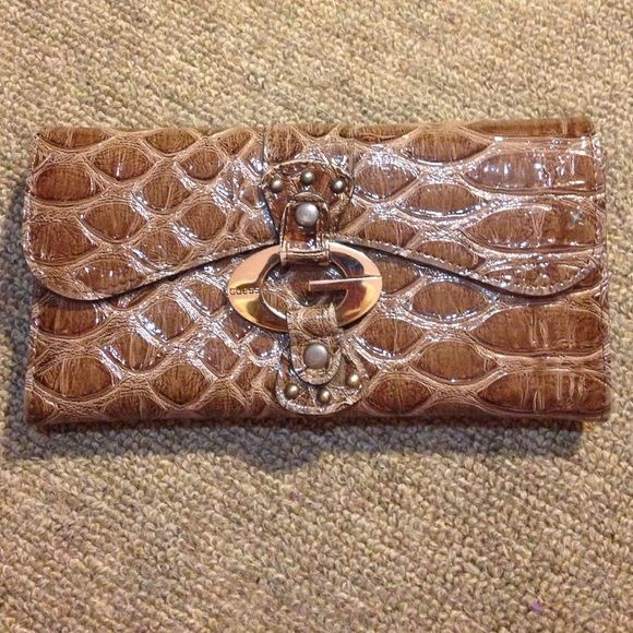 Guess by Marciano wallet Super cute perfect condition Guess by Marciano wallet !!!!! Guess by Marciano Bags Wallets