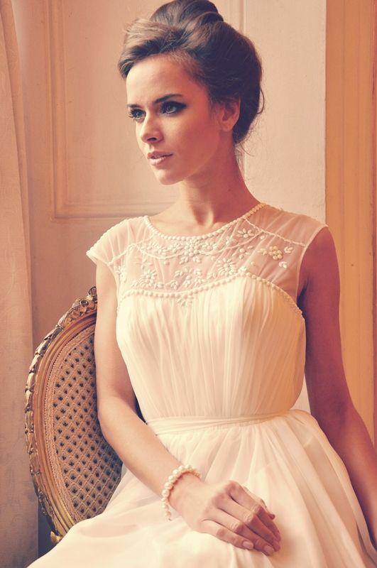 Romantyczna suknia ślubna wykonana z szyfonu jedwabnego