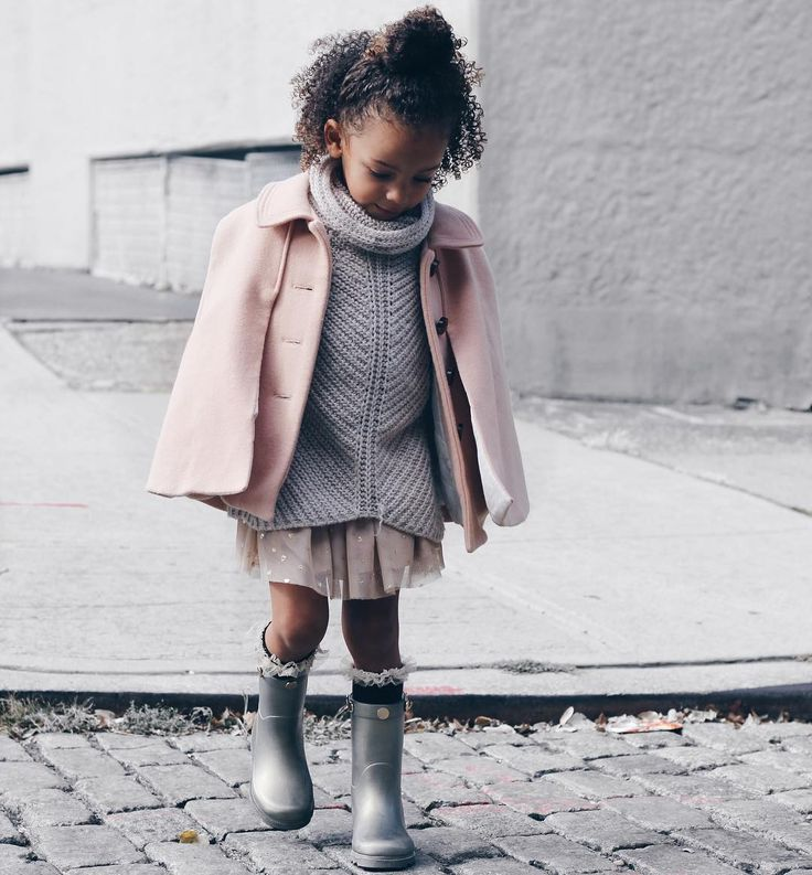 Kid in pink cape fashion