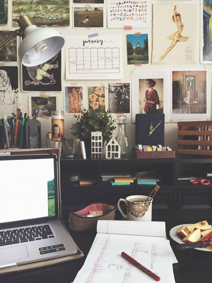 Best 25 work desk ideas on pinterest work desk decor for Tumblr desk ideas