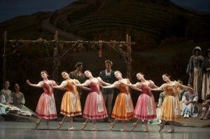 Stunning Spacing | Dance Teacher magazine | Practical. Nurturing. Motivating. The voice of dance educators.