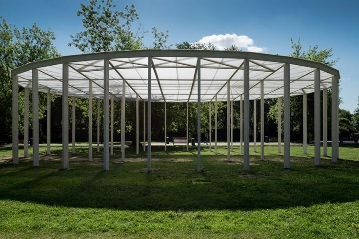 Oval shade in Gorky Park / Bureau Alexander Brodsky Oval shade in Gorky Park / Bureau Alexander Brodsky – ArchDaily