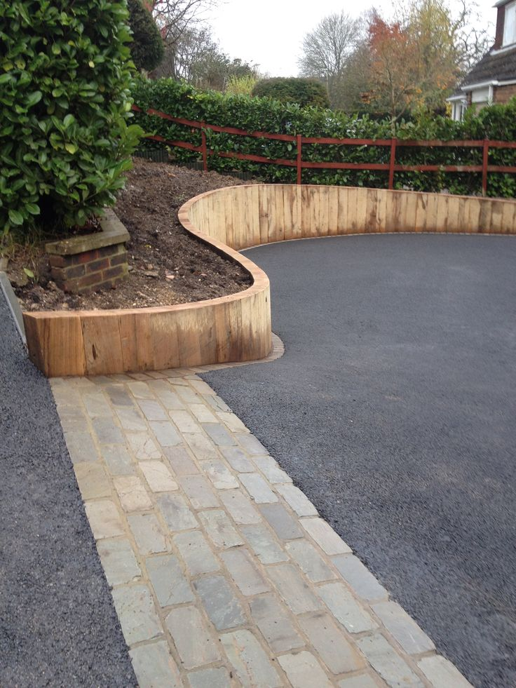 vertical oak sleeper retaining walls - Buscar con Google