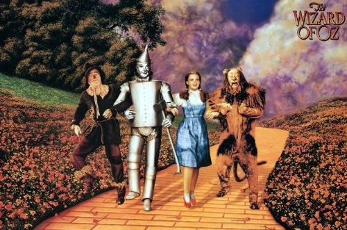 Trollkarlen från Oz (1939) http://www.movpins.com/dHQwMDMyMTM4/the-wizard-of-oz-(1939)/still-427294464