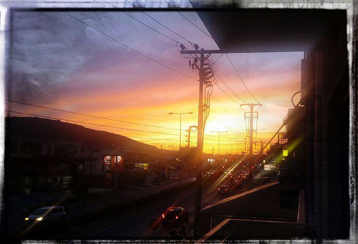 Έχουμε και στο Γέρακα όμορφα ηλιοβασιλέματα... :)