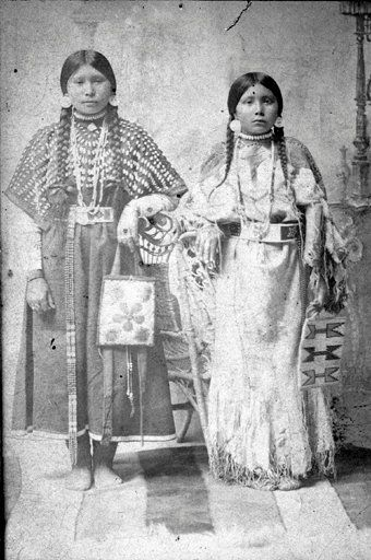 Nez Perce girls - 1900