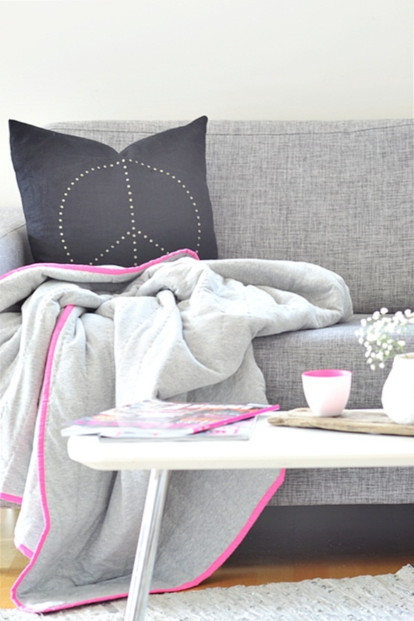 Neon Pink ♥ Bloomingville jersey quilt and votive