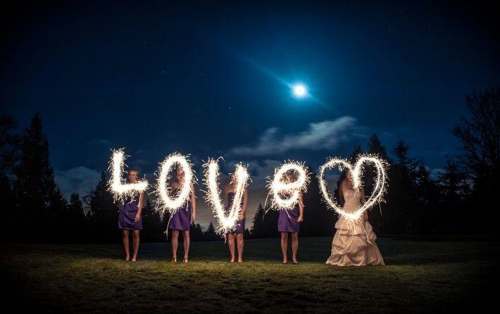 Sparkler Photos That Brides Will Love