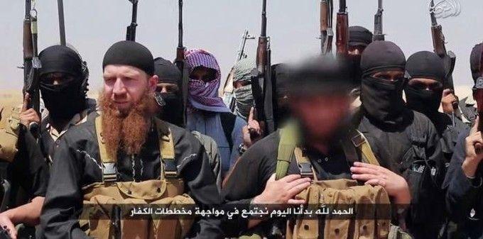 « Omar le tchétchène », l'homme à la barbe rousse serait également tombé. (Photo : Al-Itisam Media/AFP) Voici les 6 terroristes les plus traqués au monde - Edition du soir Ouest France - 03/04/2017