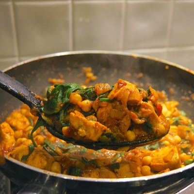 Nomad Seeks Home - Slimming World Chicken, chickpea and spinach curry
