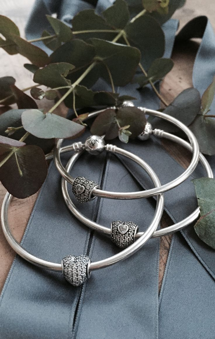 Stack up bangles for a clean but ethnic look #PANDORAbracelet | www.goldcasters.com