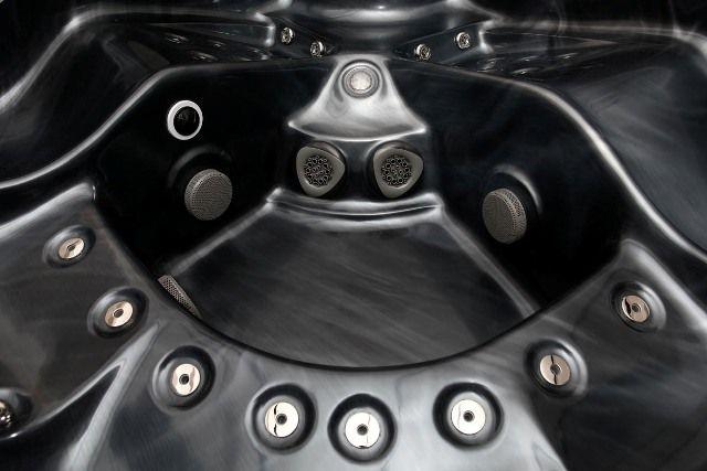 Emperor pics (4) of Hot tubs athttp://www.hottubsuppliers.com/