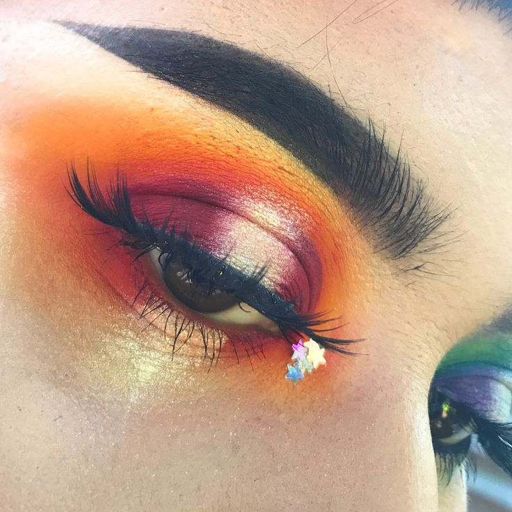 Daniel and I finally came to Disneyland to watch Cars 3! ✨ You know what you can do to truly help out your favorite MUAS/MUES? Tag brand in the comments! Help us get noticed! It means the world to us!! My 'Red' eye was inspired by a melting sun and @makeupmafia_ !!! Please check her out!!!  Happy Monday! ✨ SWIPE! ➡️ @sugarpill Pro Pan shades in 'Love+', 'Flamepoint', 'Buttercupcake', 'Acidberry', 'Midori' and 'Tako'. #sugarpill #sugarpillcosmetics #shrinkle @shrinkle @litcosmetics Star...